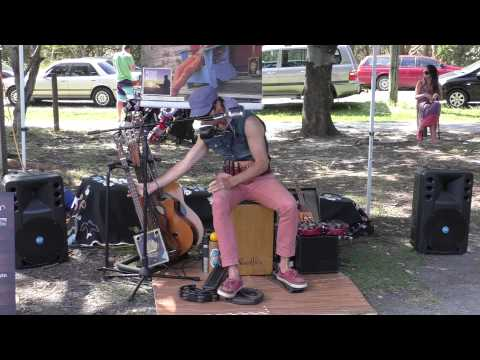 Juzzie Smith | One Man Band | Byron Bay Markets 6th Sept 2015 - 2/