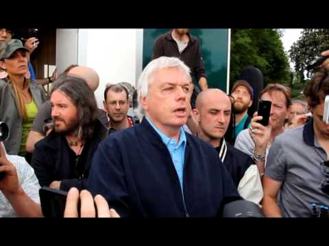 Download Youtube: David Icke meets Alex Jones at the Bilderberg protest @davidicke @realalexjones