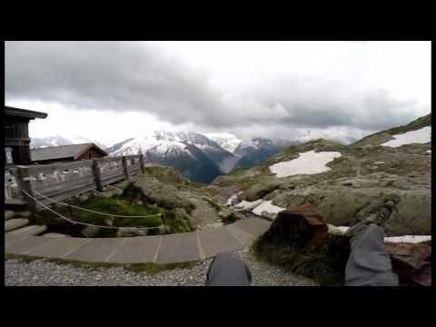 montée vers le lac blanc (alpes)