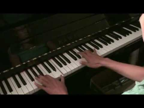 Anchee Min Daughter's Piano Gift to Mom - YouTube