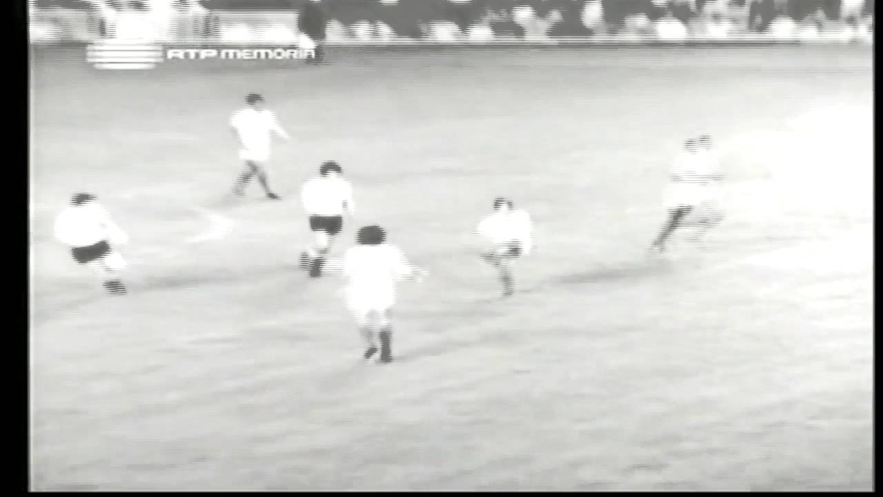 Peres (Sporting) no Portugal - 1 x Uruguay - 1 da Minicopa 1972 - Fase Final Grupo B