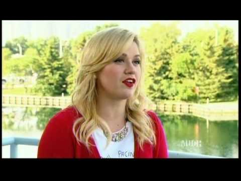 Kelly Clarkson - MM Countdown Interview