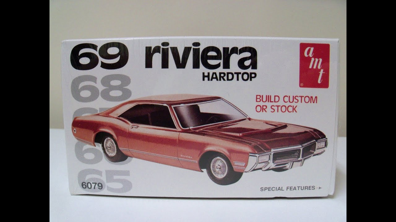AMT 1969 BUICK RIVIERA HARDTOP 1/25 Model Kit Complete