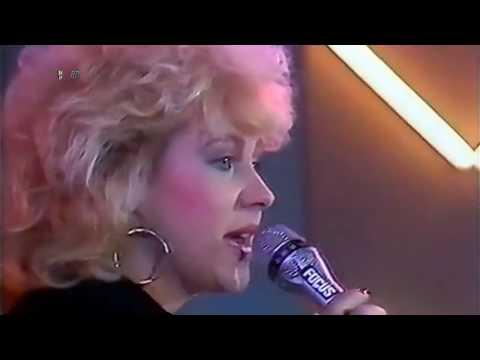 Sandy Wilson - Gimme Your Love Tonight *HD*