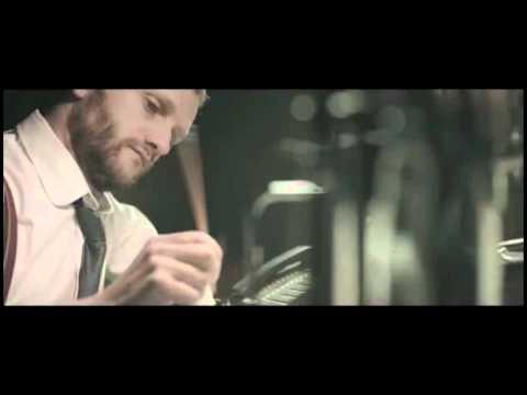 Canzone pubblicità CheBanca! 2012
