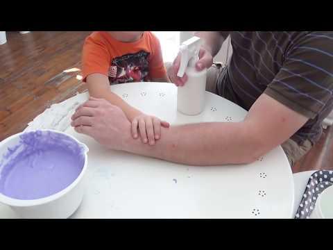 diy betonhand hand aus beton oder gips mit einmalhandschuh selber machen funnydog tv. Black Bedroom Furniture Sets. Home Design Ideas