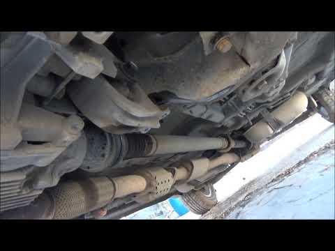 Замена опоры двигателя и ржавый глушитель.