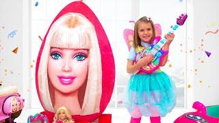 Katy y Max y sus nuevos juguetes de huevos gigantes