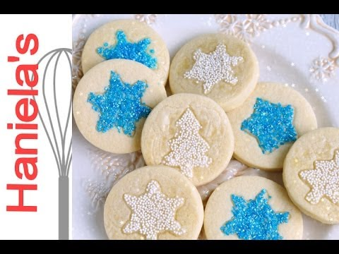 how to apply sanding sugar and nonpareils onto sugar cookies christmas decorating