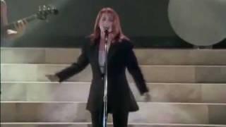 Belinda Carlisle - Heaven Is A Place On Earth (Live 1988)