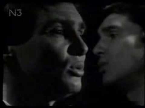 Gene Pitney - Somethings Got A Hold Of My Heart..w/ LYRICS