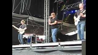 Eppu Normaali-Hipit Rautaa live