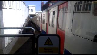 Tube train at Dagenham Heathway.mp4