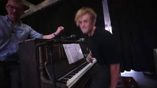 Matthias Schweighöfer - Behind the Scenes - Probe