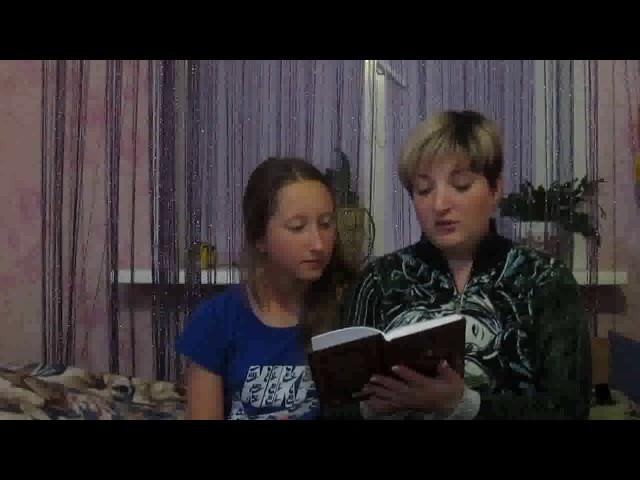 Изображение предпросмотра прочтения – ВладленаКувалдина читает отрывок изпроизведения «Медный всадник» А.С.Пушкина