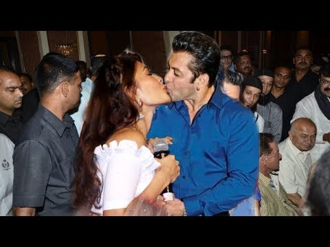 Salman Khan Openly R0MANCE with Jacqueline Fernandez in Front of Cameraman | Best Moments by Couple