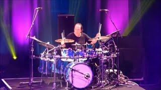 Vinnie Colaiuta Drum Solo (w/ Jeff Beck , Rhonda Smith)