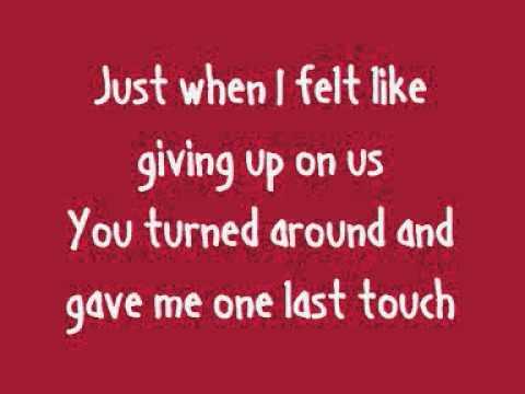 Rihanna - California King Bed (Lyrics On Screen)