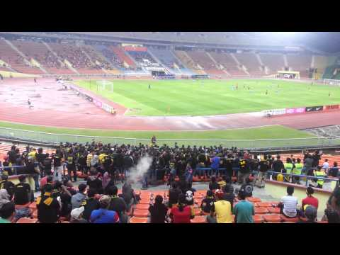 ultras malaya - ayuh bangkit bersama1