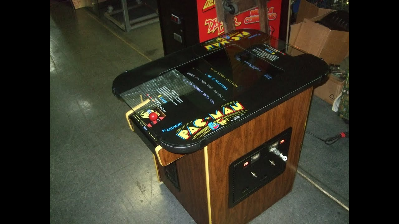 285 Bally Midway PACMAN Cocktail Table Arcade Video Game