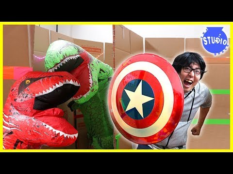 Giant Dinosaurs T-Rex Scare Ryan's Daddy in the Giant Box Fort Maze Challenge!!!