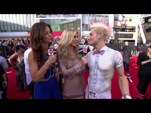 Frankie Grande & Morgan Stewart Red Carpet Interview - AMAs 2014