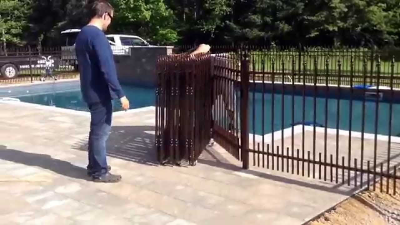 Cl ture de piscine amovible 514 622 0010 youtube for Cloture bois piscine