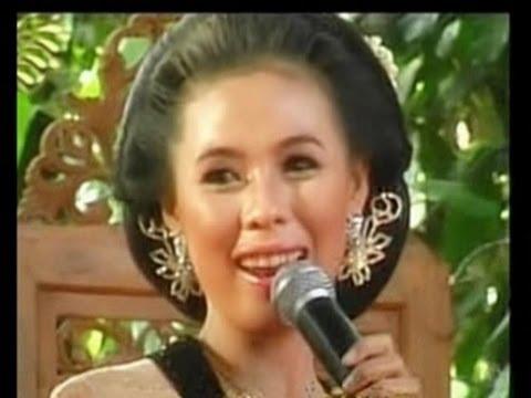 MAWAR EMBUN,vocal:Dewi satria,by.Campursari Tokek Sekar Mayank(call:+628122598859)