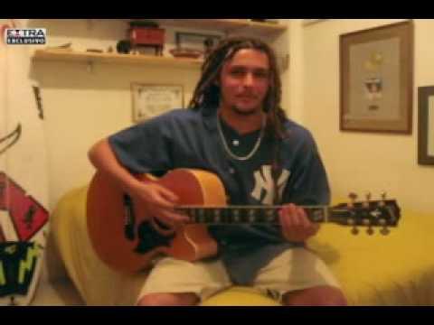Felipe Dylon canta seu sucessos