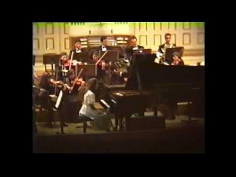 W.A.Mozart: Concerto No.1 in F-Dur K.37 GLORIA D'ATRI - Live Salzburg (Aged 15)