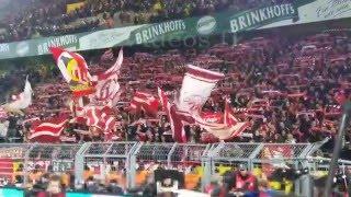 Borussia Dortmund - Bayern München 5.1.2016 Die Fans der Bayern beim Spitzenspiel der Bundesliga