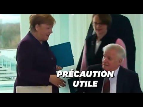 En pleine épidémie de Coronavirus, le ministre allemand de l'Intérieur a refusé la main d'Angela
