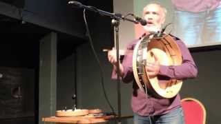 Rónán Ó Snodaigh, song with bodhrán - Craiceann 2015 video notes