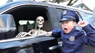 ガイコツ達を逮捕する!! おまわりさんごっこ 警察 ゴーストバスターズ オバケ退治 おゆうぎ こうくんねみちゃん thumbnail