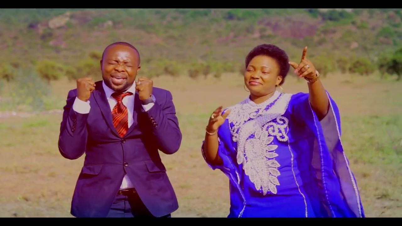 Makuu By Tumaini ft Martha Mwaipaja - YouTube