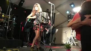 Angélique NEUVILLE Raulhac aout 2018 Le coucou Musette
