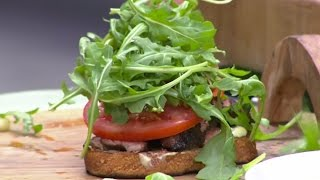 Jerk Marinated Steak Sandwiches With Guy Turland | Today