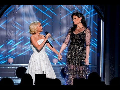 Wicked'sKristen Chenoweth and Idina Menzel Reunite to Sing Tear-Jerking Song from Hit Musical - 247