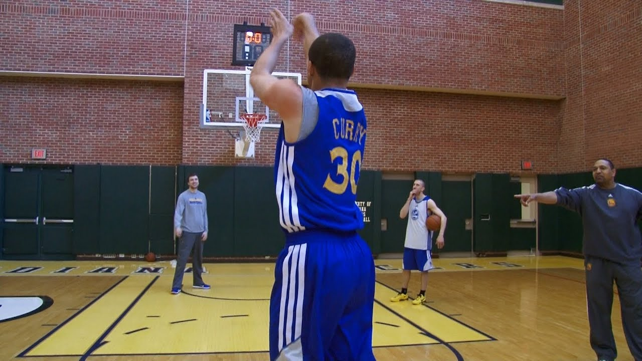 Stephen Curry aiming to take 3-point record back from Klay Thompson