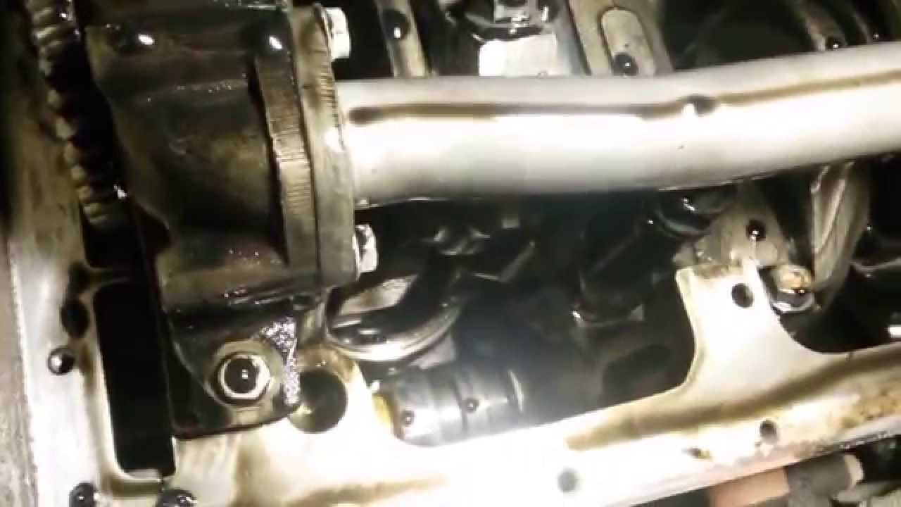 Mercedes oil pump youtube for Mercedes benz oil