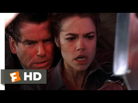 The World Is Not Enough (6/10) Movie CLIP - Defusing the Bomb (1999) HD