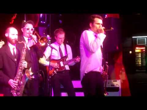 Chris Norton\'s Band - Live at Toshi\'s Living Room - YouTube