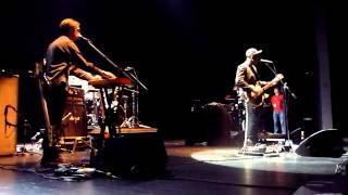 Twin Shadow - Be Mine Tonight (CCVila Flor, Guimarães, 28 Outubro 2012)