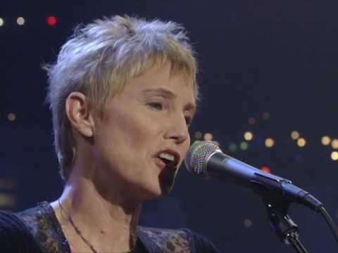 "Eliza Gilkyson - ""Beauty Way"" [Live from Austin, TX]"