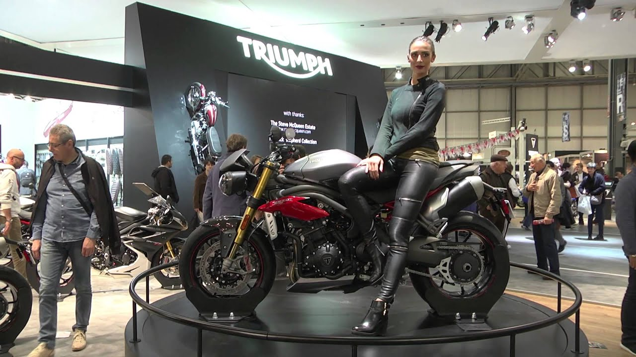 triumph stand live eicma 2015 youtube. Black Bedroom Furniture Sets. Home Design Ideas