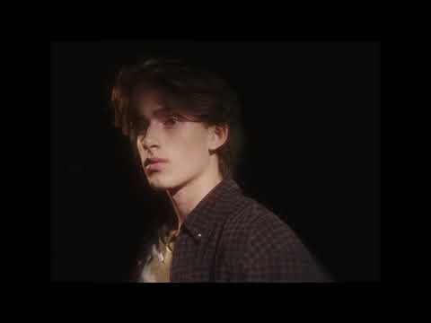Смотреть клип Johnny Orlando - Daydream