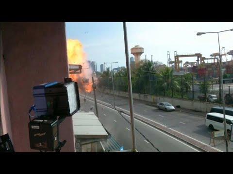 شاهد: انفجار آلية ملغمة في سريلانكا خلال عملية تفكيك المتفجرات فيها…  - نشر قبل 3 ساعة