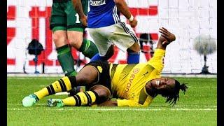 Schalke 2-0 Dortmund:Injured Michy Batshuayi off on stretcher