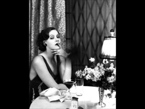 Dinah Shore - Smoke Gets In Your Eyes