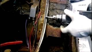 видео Как высверлить точечную сварку на автомобиле